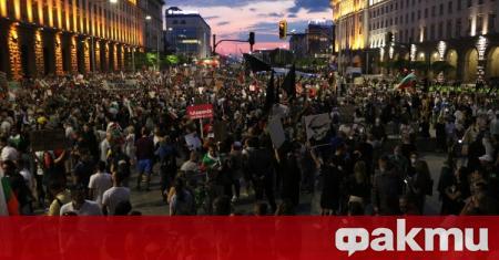 Протестите в България дават знаци на ЕС, че страната може