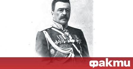На 23 юни 1882 г. княз Александър Батенберг назначава служебно