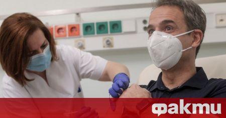 Всички гръцки граждани с поставени две дози от ваксината са