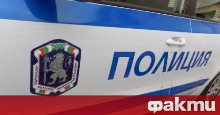 Униформени и цивилни полицаи ще следят за съмнителни лица и