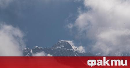 Алпинисти в Китай започнаха отново да мерят височината на връх