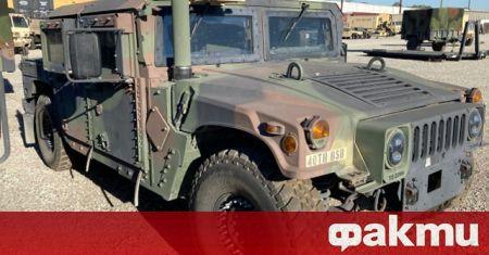 Брониран военен всъдеход Humvee беше откраднат от оръжейна станция на