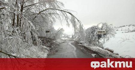 Обявиха частично бедствено положение след проливни дъждове, които усложниха обстановката