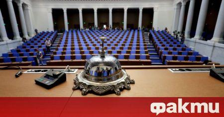 Само 4 партии влизат със сигурност в парламента, сочи проучване