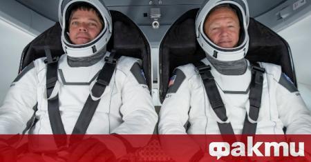 Космическият кораб на американската космическа агенция успешно се скачи с
