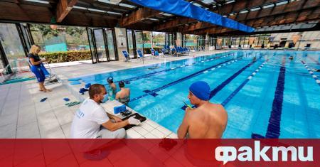 Със стриктно спазване на физическа дистанция плувните басейни в Италия