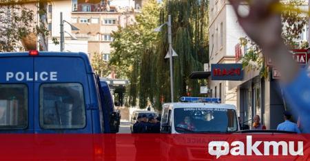 Представители на полицията в Косово са задържали служител за присвояване