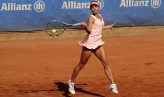 Първата ни ракета в женския тенис показа уникална домашна тренировка (ВИДЕО)