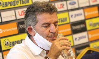 Костадинов: Всеки има любимци, аз също имам, но треньорът избира играчите