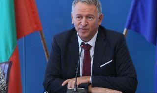 Министър Кацаров: Хазартно отношение към живота е, ако при тези числа не се ваксинираш - 1