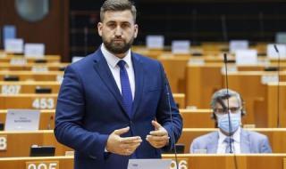 Новаков за резолюцията на ЕП: Никой не може да ни спре парите
