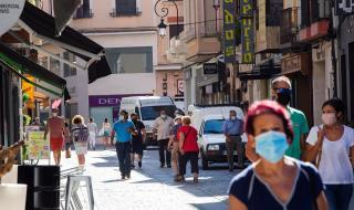 Коронавирус: защо здравната система в Испания не се справи