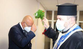 Мутафчийски откри реновирано отделение във ВМА - 1