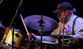 Легендарен барабанист се пресели в отвъдното (ВИДЕО)