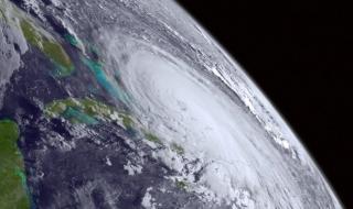 Ураган от четвърта степен удари Бахамите