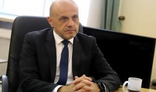 Дончев: Няма да ставам премиер, не познавам Пеевски