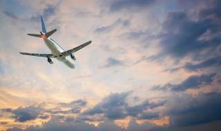 Маските в самолетите няма да са задължителни