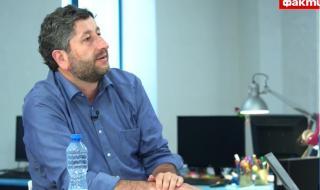 Христо Иванов за ФАКТИ: Пеевски дарява, защото ДПС иска да е официално във властта