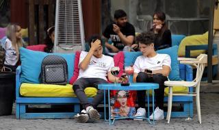 Коронавирус в Румъния: над 40% вярват, че всичко е конспирация