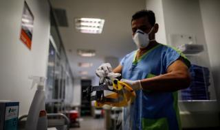 Лектор умря от коронавирус пред студентите си