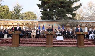 Историческо! САЩ и талибаните подписаха мирно споразумение