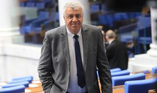 Гечев: Борисов купува самолети, за да го оставят на власт американците още няколко месеца
