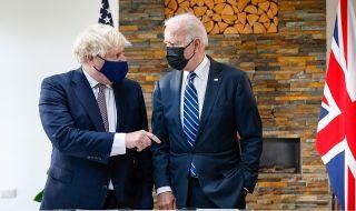Борис Джонсън е оптимист за Северна Ирландия, политическите наблюдатели - не