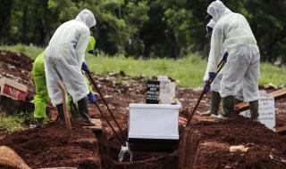 Държава разпореди: Ако не носиш маска, копаеш гробове на починали от COVID-19