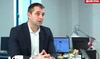 Димитър Делчев пред ФАКТИ: Борисов изглежда като човек, над главата на който има Дамоклев меч