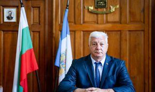 Изписаха кмета на Пловдив