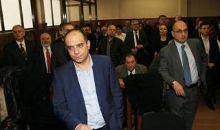 Адвокат на Цветан Василев остава в ареста