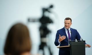 Скандал в Германия! Министърът на здравеопазването си купи луксозна вила в Берлин за повече от четири милиона евро