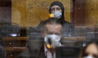 За първи път! В сръбския парламент влезе депутатка с хиджаб