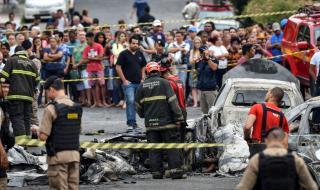 Самолет се разби на улица в Бразилия