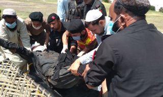 10 жертви при взрив в автобус в Пакистан
