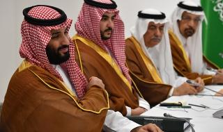 На операционната маса! Махнаха спешно жлъчката на саудитския крал