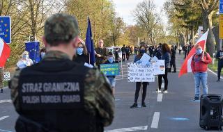 Полската опозиция предупреждава: Готвят ни преврат!