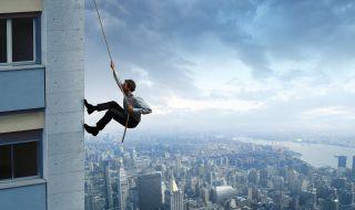 Катерач изкачи необезопасен един от най-високите небостъргачи (ВИДЕО) - 1