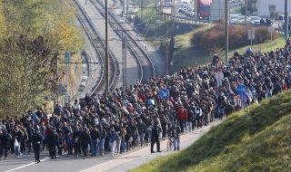 Тирана: До 4000 афганистанци могат да останат в Албания 1 година