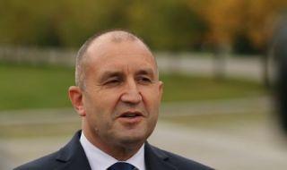 Първи коментар на Радев по темата с клипа със съветника му Пламен Узунов