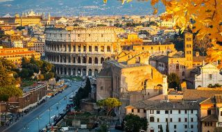 Без туристи: Рим е заприличал на призрачен град в пандемията - 1