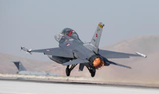 Пилотът на сваления от Турция самолет е загинал