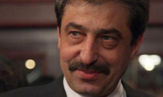 Цветан Василев: Трябва да прекратят правомощията на Гешев