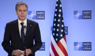 Американският държавен секретар на посещение в Афганистан