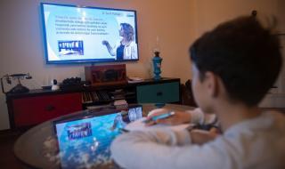 18 милиона турски ученици започват дистанционно обучение