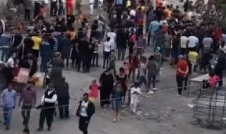 """Епидемично по цигански - тълпи и кючеци в """"Столипиново"""" (ВИДЕО)"""