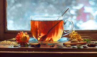 Заразеният с коронавирус не трябва да пие чай