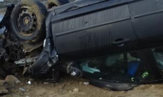 Младеж се преобърна с лек автомобил край Монтана, рани 14-годишната си спътничка