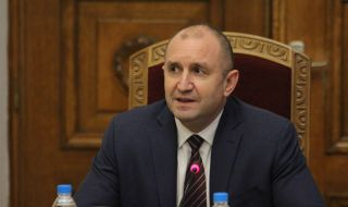 Държавният глава Румен Радев е на посещение в Самоков