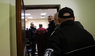 Седем от задържаните митничари остават в ареста